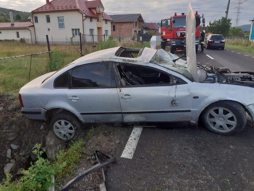FOTO: Băut la volan, de dimineață bună, s-a răsturnat cu mașina