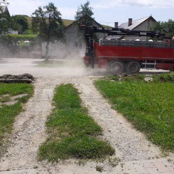RECORD în administrația bistrițeană: 14 ani trecuți, de când un drum a fost prins în proiect pentru a fi reabilitat