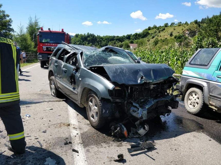FOTO: GRAV accident la ieșirea din Sângeorz Băi! Cinci victime, printre care doi copii, au ajuns la spital