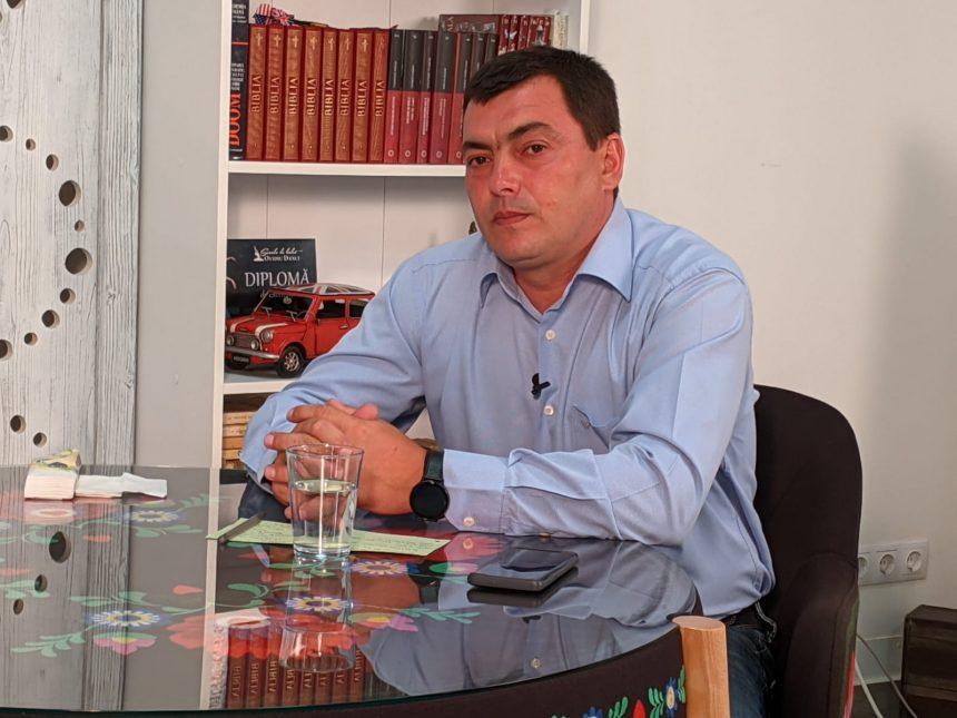 Horea Petruț, primar în Mărișelu: Este o problemă sensibilă. Dar toți copiii și profesorii vor primi tablete