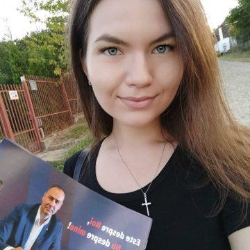"""CONTRAdicție? Mama, în PNL. Fiica (Lucia Augusta Săsărman), în PSD: """"Am fost atacată verbal de mai multe persoane… Îmi hotărăsc singură viitorul"""""""