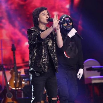 VIDEO:  De pe culmile succesului, înapoi la strana bisericească. Cristian Moldovan, finalistul X Factor, a cântat două săptămâni la Nicula