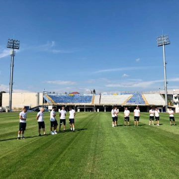 Echipa de fotbal Gloria Bistrița, lăsată fără un milion de lei dintr-un șut!