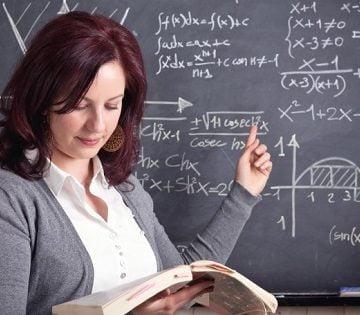 Aproape 400 de profesori și personal auxiliar din școli vor fi testați pentru Covid-19. Unul deja a fost depistat pozitiv