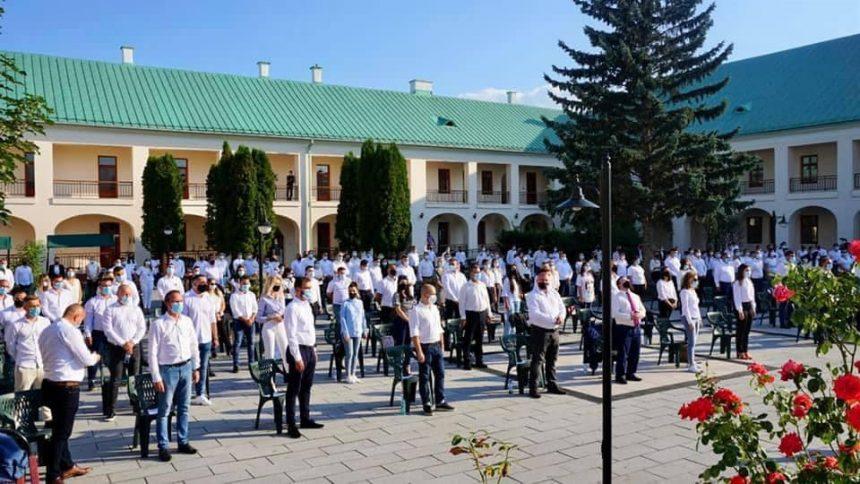 Primăvara politicii românești pornește de la Bistrița! Cu 247 de tineri candidați la alegerile locale