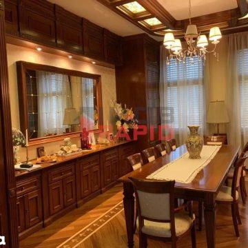 FOTO Casa unuia dintre cei mai bogați bistrițeni, scoasă la vânzare. Suma fabuloasă cerută pentru vila din centrul orașului