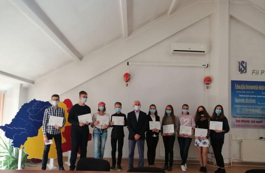 FELICITĂRI: Premii în bani și diplome, pentru elevii care au obținut 10 pe linie la Bacalaureat și Evaluarea Națională