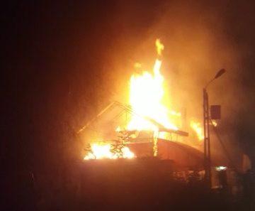 VIDEO: Restaurant devastat de flăcări, în Cepari!