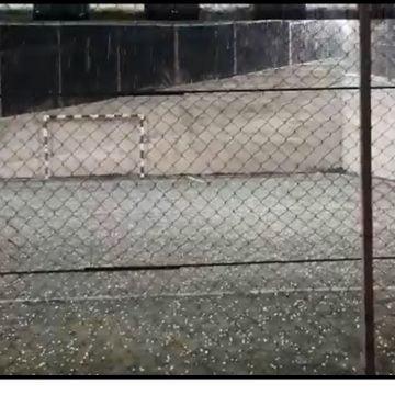 VIDEO: A plouat cu gheață azi-noapte, la Sebiș!