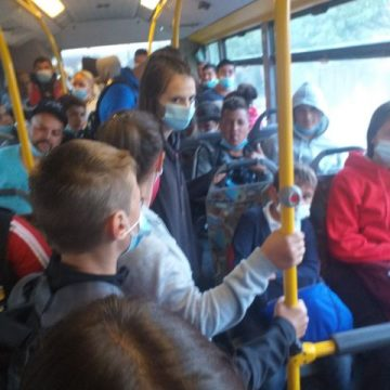 FOTO: Transport gratuit pentru elevi! Și COVID 19 la pachet?!?