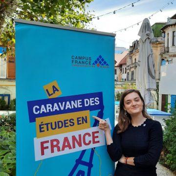 Elevii și profesorii din Bistrița, invitați la Caravana Studiilor în Franța!