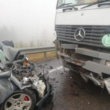 FOTO/VIDEO Grav accident în Pasul Tihuța! Un bărbat a murit, iar alte trei persoane au fost rănite