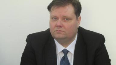"""Notarul Gabriel Groza și-a dat demisia: """"Un spectacol al orgoliilor și al democrației sfărâmate în bucăți…"""""""