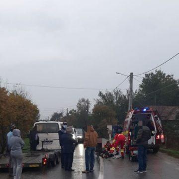 Săsarm: Femeie în stop cardio respirator, după ce a fost lovită de mașină