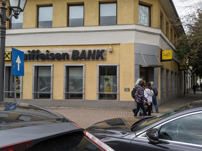 COVID-ul a închis banca!