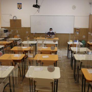 Cursuri online până în 8 februarie. Ministrul Educației speră ca semestrul al doilea să înceapă față în față