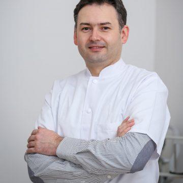 IMPRESIONANT! Un medic din Bistrița face apel la solidaritate: Să facem echipe și să mergem la pacienți acasă!