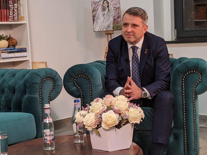 """Primarul Ioan Turc ne """"încalță"""" cu un împrumut URIAȘ din bancă"""