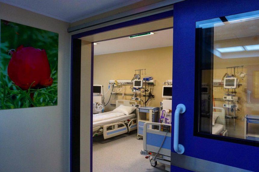 Doi medici rezidenți se alătură echipei ATI de la Spitalul Județean