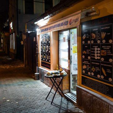 Mâncare rapidă și specialități italiene, la Fast Food Bun de tot!