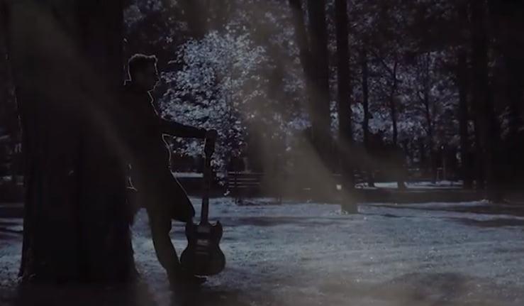 VIDEO – High Five: Un strop de lumină, pentru zilele în care te simți copleșit de lumea din jur…