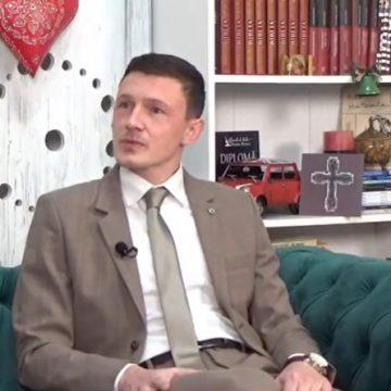 """VIDEO:  Bazin de înot, la Colegiul """"George Coșbuc"""" din Năsăud?! Primarul Dorin Vlașin, despre sala de sport a Școlii de Aplicație"""