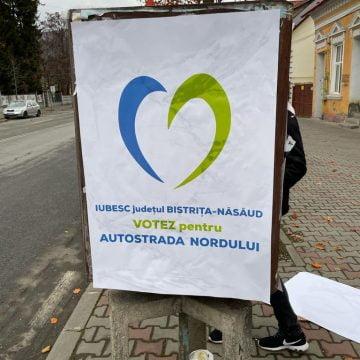 Ionuț Simionca, obligat să dea jos o parte din afișele lipite în oraș