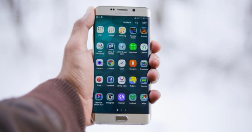 Începând de astăzi puteți plăti biletele la Transmixt cu mobilul și vă puteți planifica călătoriile cu o aplicație