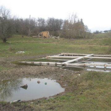 ALTE vremuri:  Amintiri despre renumitele băi de nămol, ignorate într-un sat din Bistrița-Năsăud