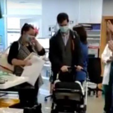 VIDEO: Bebeluș externat în aplauzele medicilor, după ce a stat 70 de zile internat în ATI COVID