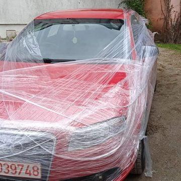 FOTO: I-a împachetat mașina!