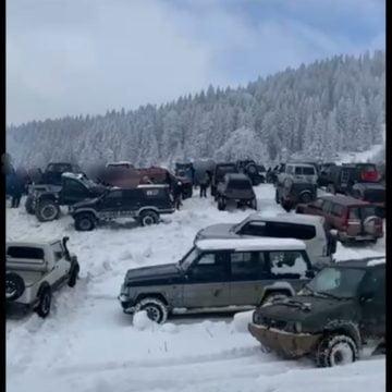 FOTO/VIDEO: Supărare mare pe Bârgău: Off-road-iștii au fost amendați de jandarmi, după ieșirea organizată duminică, la Colibița
