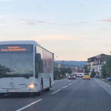 TRANSMIXT: De luni, 1 martie, elevii navetiști din Bistrița-Năsăud NU mai pot circula gratuit cu autobuzul