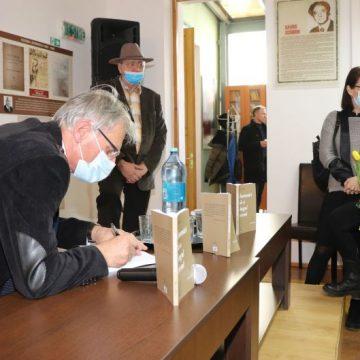 FOTO:  Ies la lumină primele însemnări din cele peste 5.000 de pagini de jurnal ale profesorului Vasile Filip