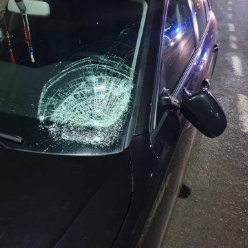 Prundu Bârgăului: Tânără însărcinată, lovită de o mașină condusă de un începător