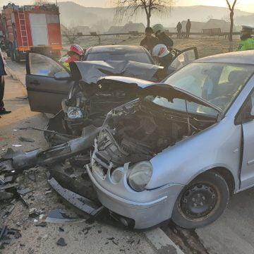 FOTO/VIDEO: Accident cauzat de un șofer începător pe Petru Maior. O femeie a rămas blocată