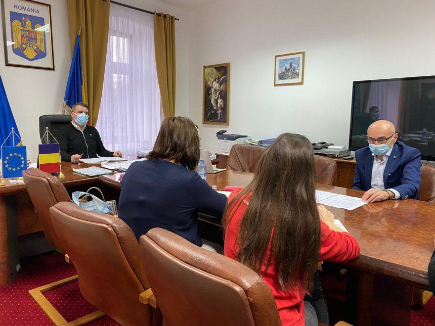 SURSE: Firma de audit la care a renunțat Primăria Bistrița vrea scuze de la Turc și penalizări pentru întârzierea contractului