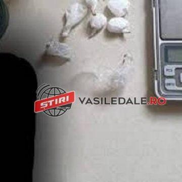 """Trei bistrițeni, prinși cu droguri în Maramureș! Mașina lor a fost """"încolțită"""" de autospecialele polițiștilor"""