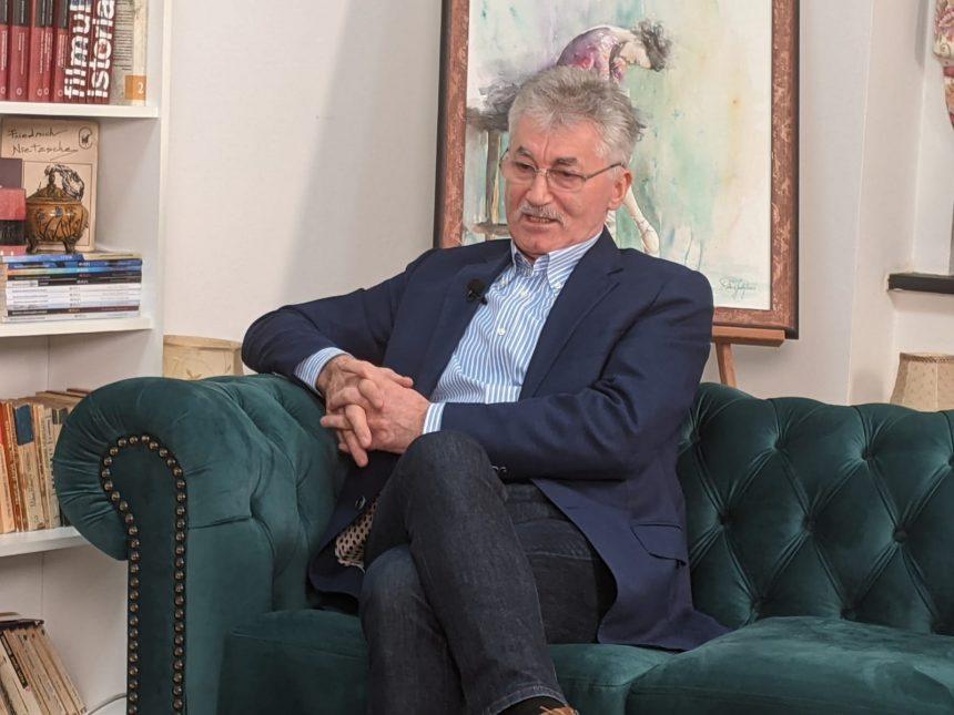 La cât ajungea pensia specială a lui Ioan Oltean și din ce trăiește acum cel mai longeviv deputat din țară