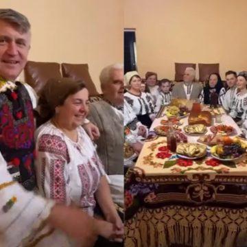VIDEO – Pomohaci nu se rabdă: Amendat după ce a participat la o petrecere de familie