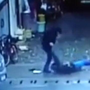 Bărbatul ce și-a lovit soția, până a lăsat-o leșinată, a ajuns în fața instanței! CE au decis judecătorii: