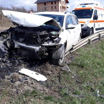 FOTO/VIDEO Cepari: Coliziune frontală între două autoturisme