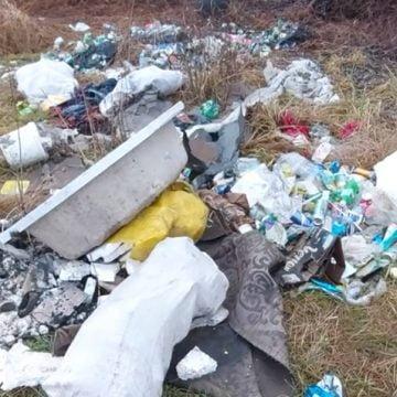 Nepăsarea sufocă și zonele protejate, cu gunoaie! Primăria și Garda de Mediu se fac că plouă