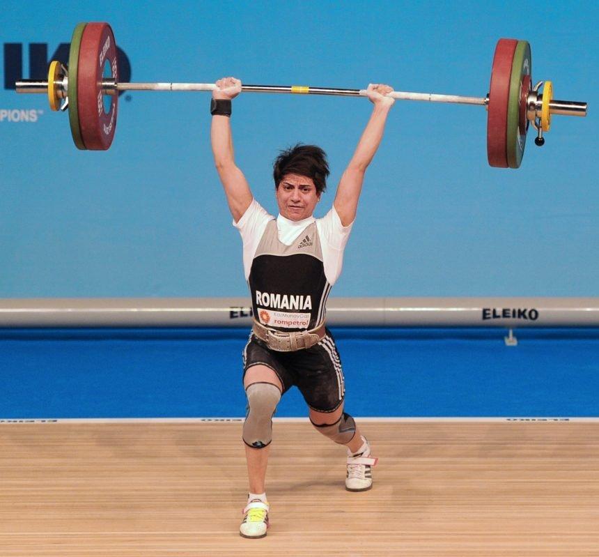 """Weekend """"de aur"""" pentru halterofila Monica Csengeri. Aceasta a cucerit 3 medalii de aur la Campionatele Europene de la Moscova"""