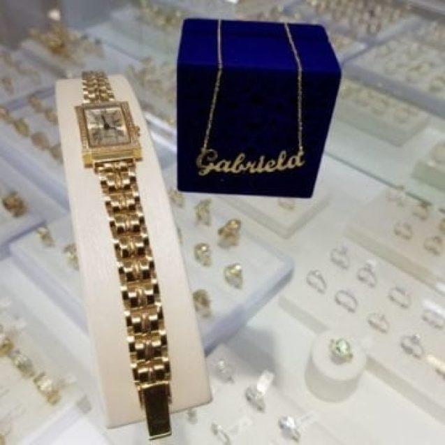 ATLANTIS GOLD:  Bijuterii elegante, cu safire și diamante, verighete și inele prețioase – cât vezi cu ochii