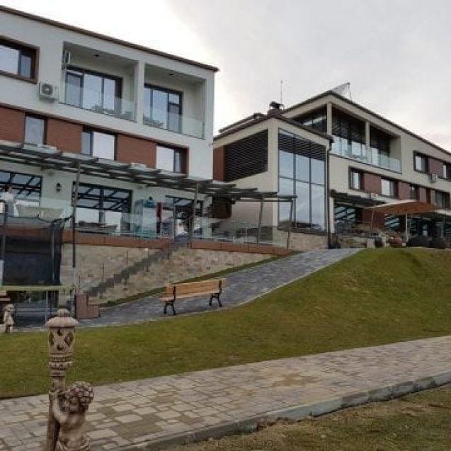 FOTO COLIBIȚA: S-a deschis un nou sezon la Roser House!