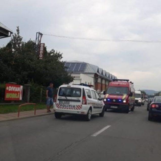 FOTO/VIDEO: Un angajat al Polimed, lovit de mașină în timp ce traversa neregulamentar