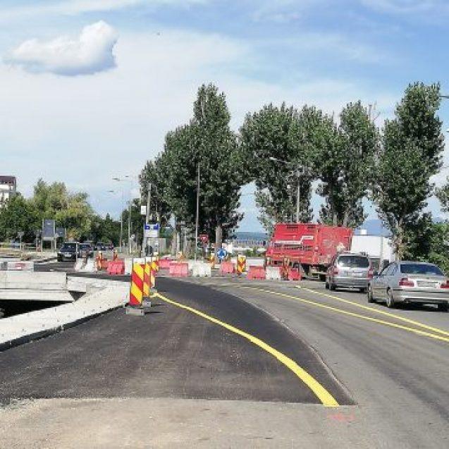 FOTO: Sensul giratoriu de un milion de euro prinde contur