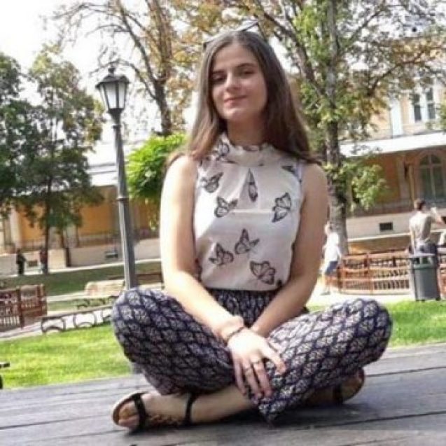 Povestea din spatele fotografiei Alexandrei din Parcul Municipal Bistrița