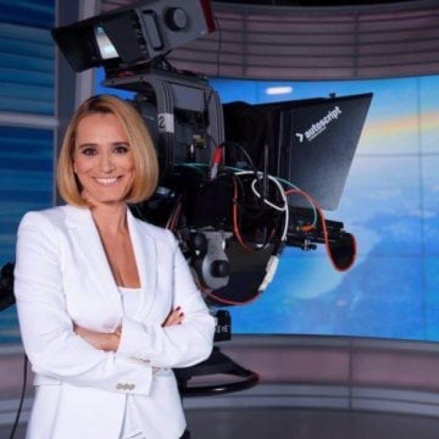 Carismatica prezentatoare Andreea Esca se alătură echipei Tășuleasa și vine la Tihuța